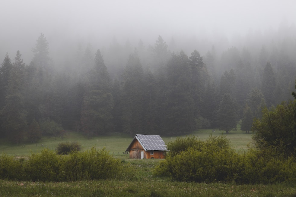 "What's the Meaning of ""Living Off the Grid""?"