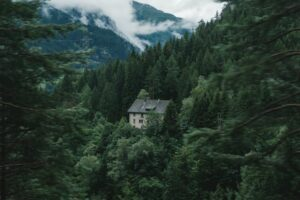 Best place to live off the grid: house in the mountains.
